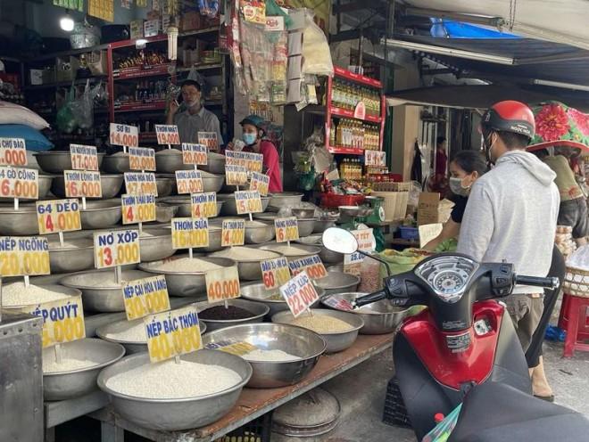 Chi phi mua banh mi, trung o Viet Nam lot top re nhat Asean?