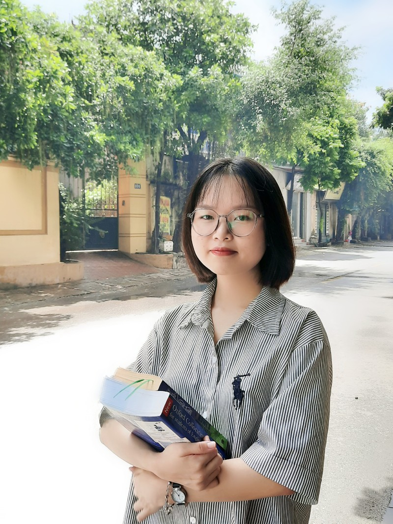 "Hanh trinh gianh ""ghe"" Thu khoa DH Bach khoa Ha Noi Pham Hong Nhung"