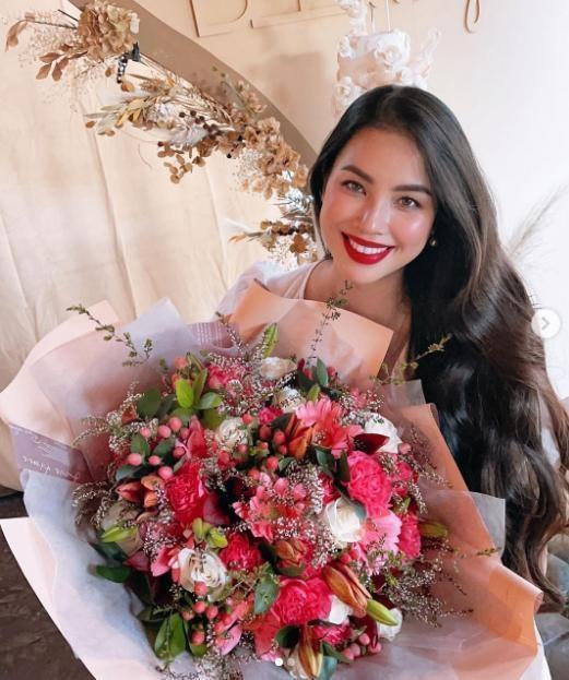 Pham Huong chiem song voi anh buong ao cho con bu-Hinh-4