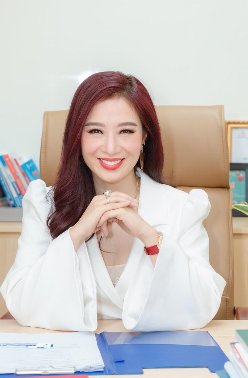 Hoa khoi Thu Huong 21 tuoi lam CEO, lay chong dai gia gio ra sao?-Hinh-3