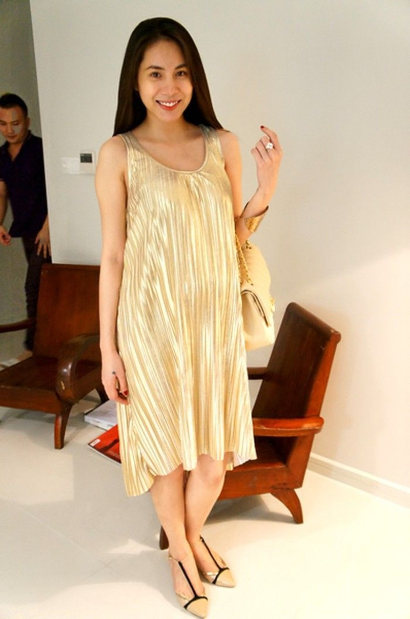 Bi quyet giam can lay lai vong eo thon gon sau sinh cua Thuy Tien-Hinh-2