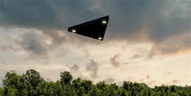 Soc voi nhung lan cham tran UFO ky la den muc khong the giai thich-Hinh-5