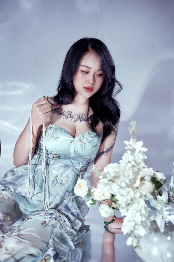 Ba me Tuyen Quang giam hon 20kg sau sinh, xinh dep hon thoi son roi-Hinh-3