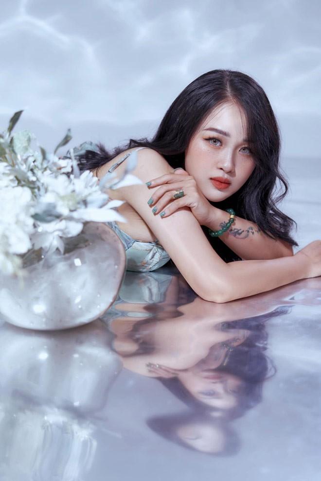 Ba me Tuyen Quang giam hon 20kg sau sinh, xinh dep hon thoi son roi-Hinh-4