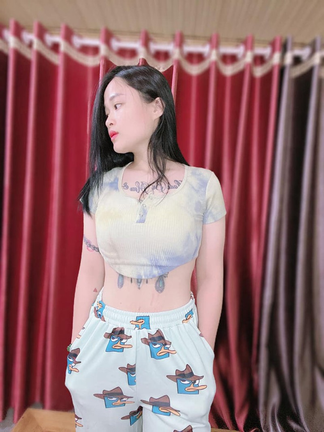 Ba me Tuyen Quang giam hon 20kg sau sinh, xinh dep hon thoi son roi-Hinh-7