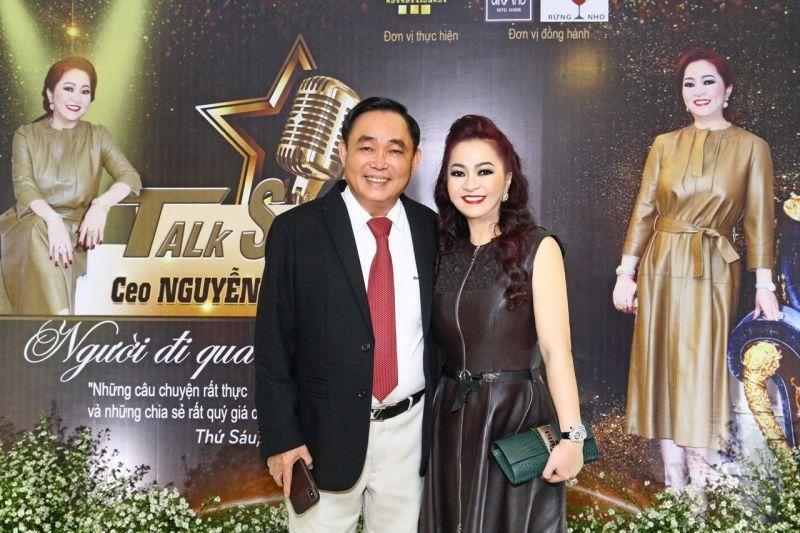 CEO Binh Duong khoe chong cung chieu nhu ba hoang-Hinh-2