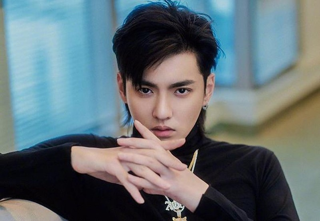 Hot TikToker Trung Quoc bi khoa tai khoan do lam clip gia gai-Hinh-6