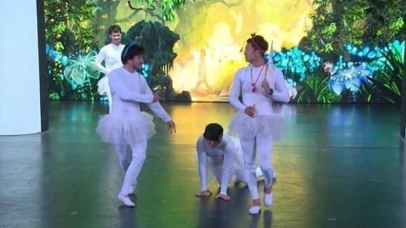 Hinh anh Manh Truong mac do mua ballet bat ngo hot tro lai-Hinh-4