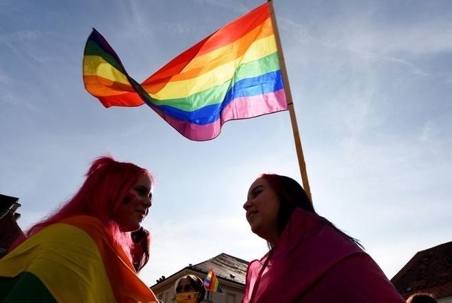 Cong dong LGBT bi hanh hung vo co-Hinh-2