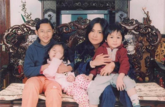 Diva Thanh Lam dang loat anh hiem ngay tre, mung sinh nhat 2 con gai-Hinh-2