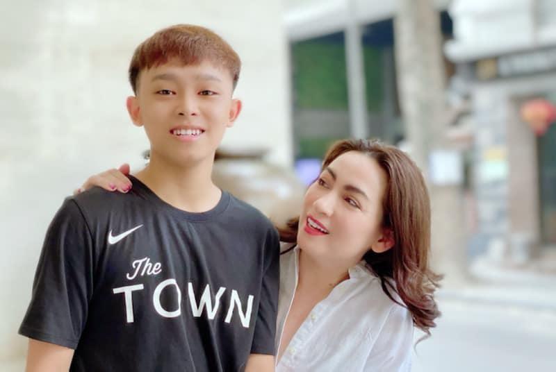 Hot Tiktok noi tieng benh vuc ca Phi Nhung, Ho Van Cuong-Hinh-2