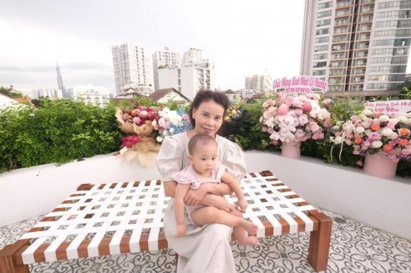 Kim Ly chuc mung sinh nhat me Ha Ho, khoe loat anh gia dinh cuc pham-Hinh-2