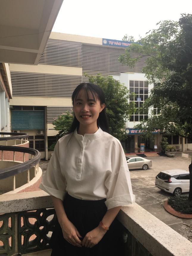 Cam phuc nghi luc vuot kho cua nu sinh Tai chinh goc Hai Duong