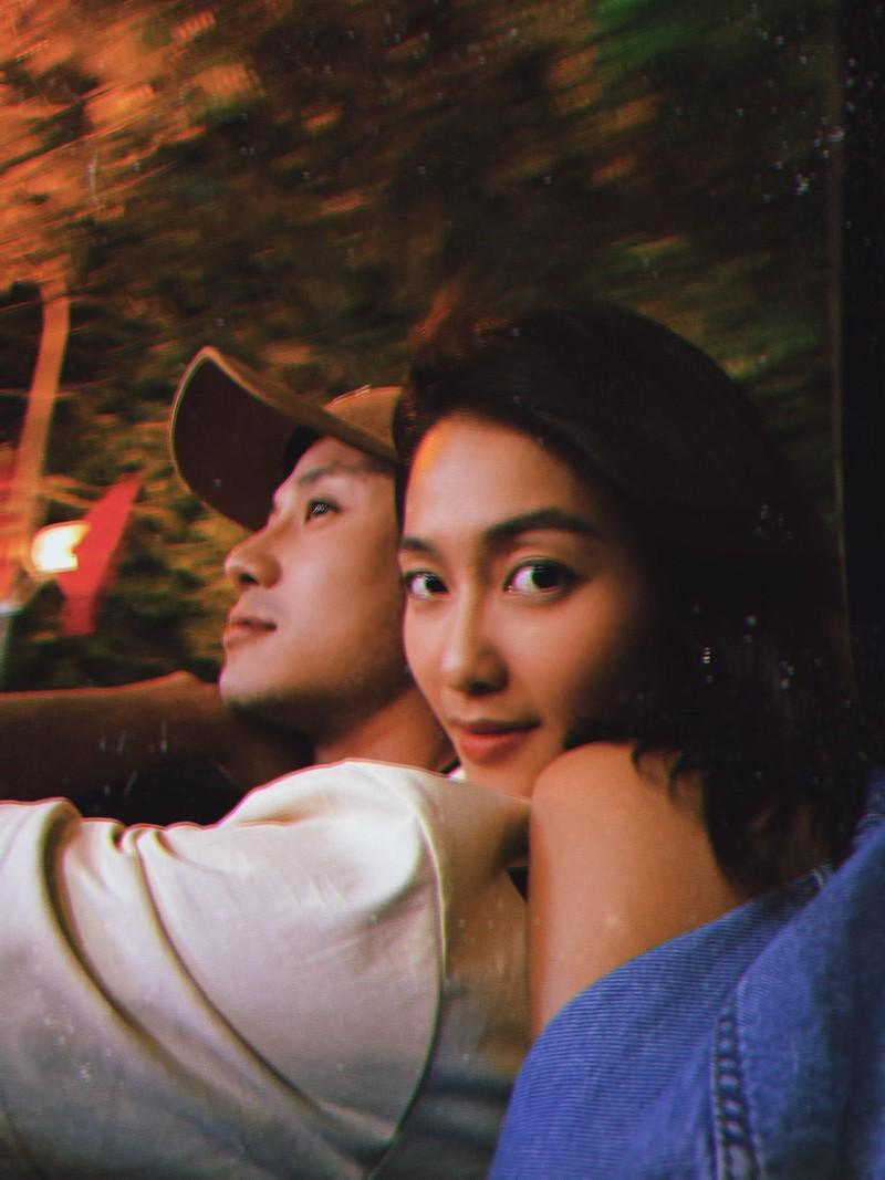 Hau truong khong co tren phim Kha Ngan dut com cho Thanh Son