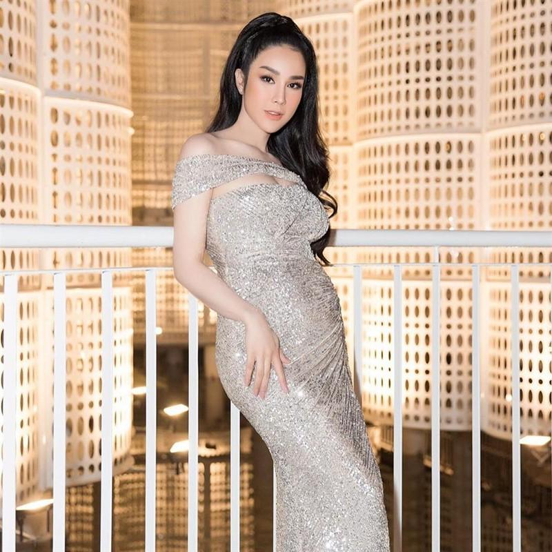 Diep Lam Anh khoe bung bau vuot mat sau 6 thang sinh con gai-Hinh-2