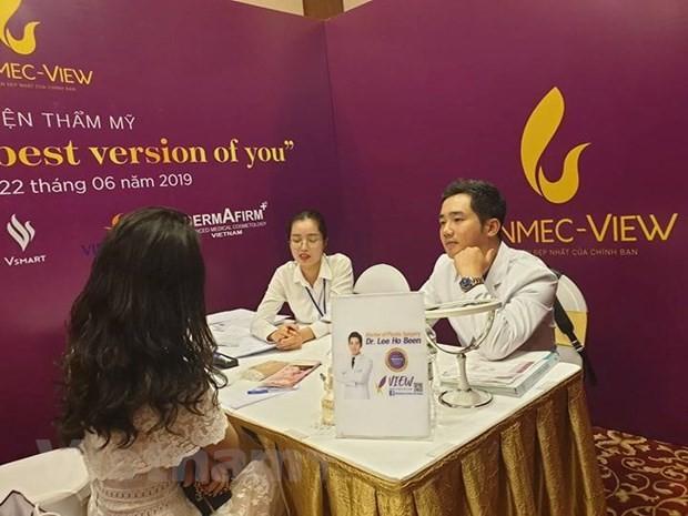 Chuyen gia lam dep noi tieng Han Quoc tu van tham my cho phu nu Viet-Hinh-3