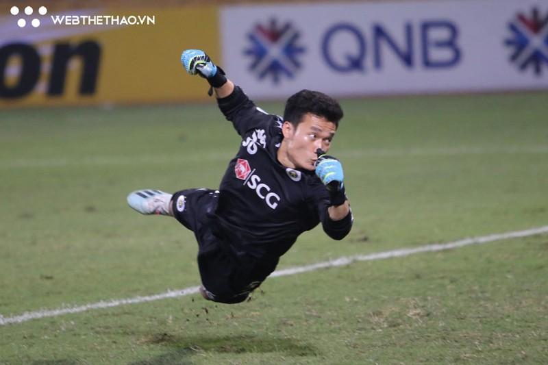 Thu mon ky cuu noi gi ve sai lam cua Bui Tien Dung trong tran hoa dang tiec cua Ha Noi FC