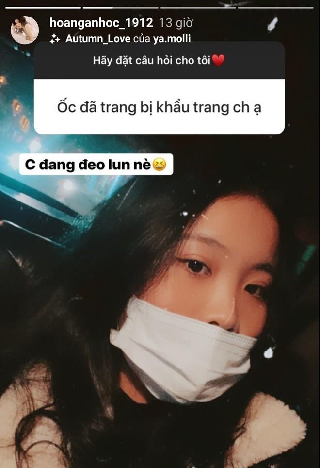 Ban gai Van Hau, Van Toan deo khau trang, lo lang vi dich corona