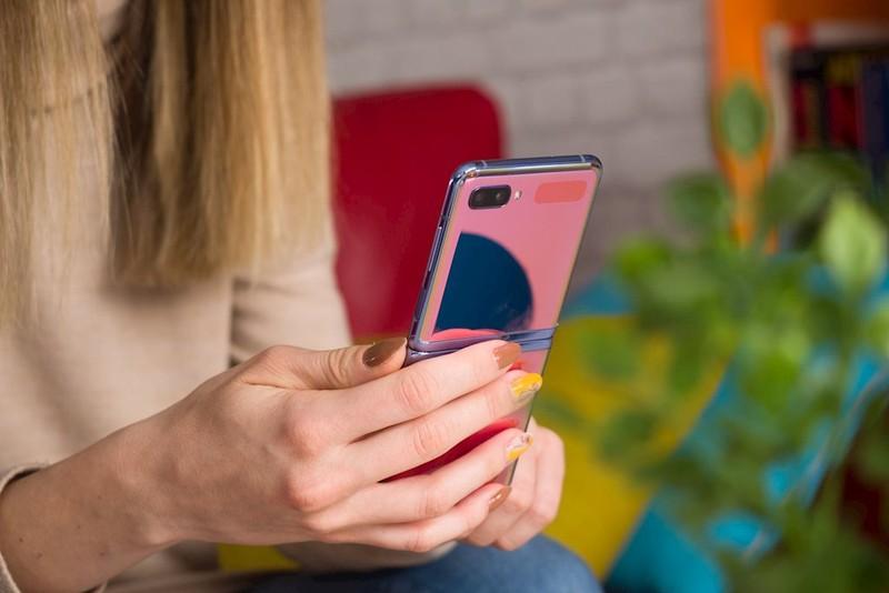 Smartphone Samsung cao cap chuyen tu Han sang san xuat tai VN do Covid-19