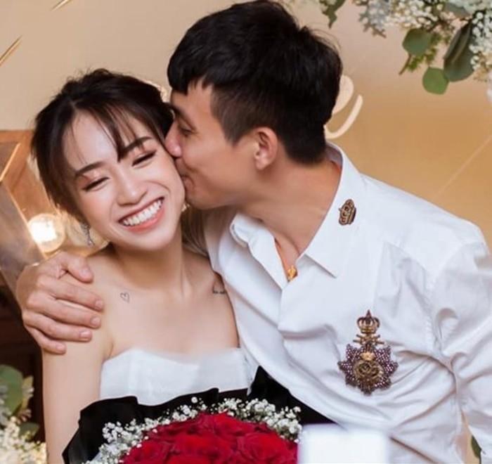 Len chuc ong ngoai, Minh Nhua van tu tin nhan minh la 'hoang tu'-Hinh-5