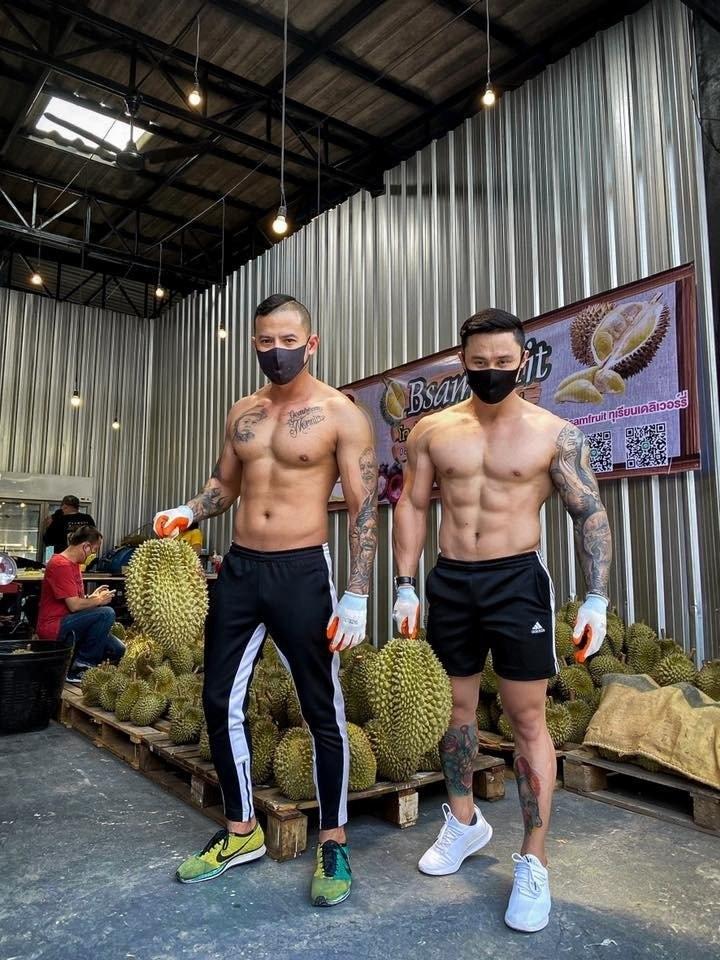 Trai dep 6 mui coi tran ban sau rieng gay xon xao khap pho-Hinh-3