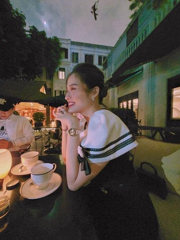 Tien Linh dinh nghi an hen ho voi hoa hau Phan Hoang Thu?