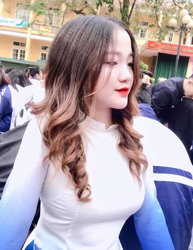 Gai xinh thi Hoa hau bi che photoshop qua da: Minh co khieu chinh anh-Hinh-9