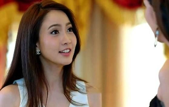 Co hang xom mang do an sang bieu, vo dieng nguoi phat hien su that