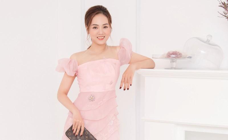 Ban gai kem 15 tuoi cua Cong Ly phu nhan truc trac tinh cam-Hinh-2