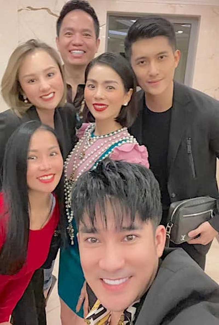 Le Quyen - Lam Bao Chau vui ve don Tet ben nhau
