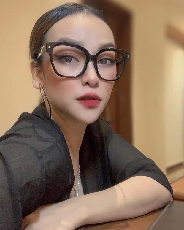 Vo ca Minh Nhua khoe nhan sac U40 'dinh cua chop'-Hinh-2