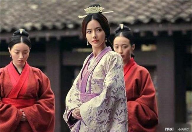 Tao Thao khong ken 7 re, dem ga het con gai cho nguoi nay-Hinh-2