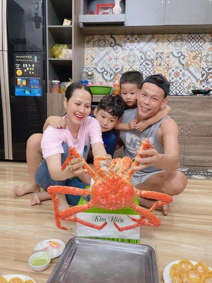 """Nguoi vo dam dang day """"quyen luc"""" cua thu mon Tan Truong-Hinh-3"""