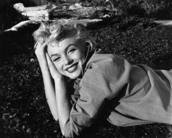 Bi an cai chet cua Marilyn Monroe: Tu sat hay am muu diet khau?