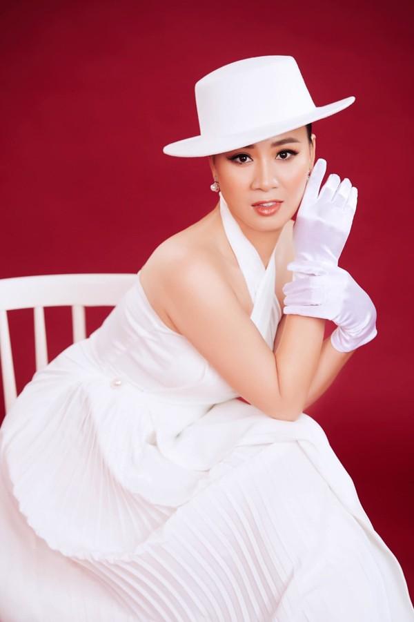 """Hon nhan kin tieng ngoai doi cua di Lieu trong """"Huong vi tinh than""""-Hinh-4"""
