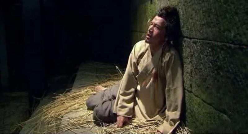 Nguoi khoe manh dot tu: Phap quan dung nuoc voi vach tran hung thu-Hinh-3