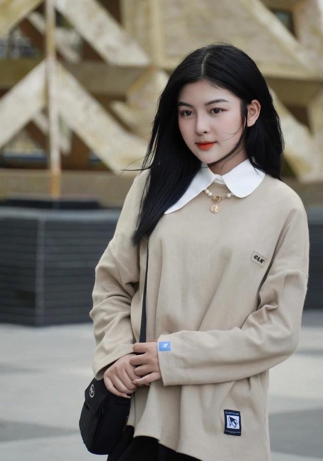 "Hot girl Hutech khien bao trai tim tan chay vi ""xinh nhu keo ngot""-Hinh-4"