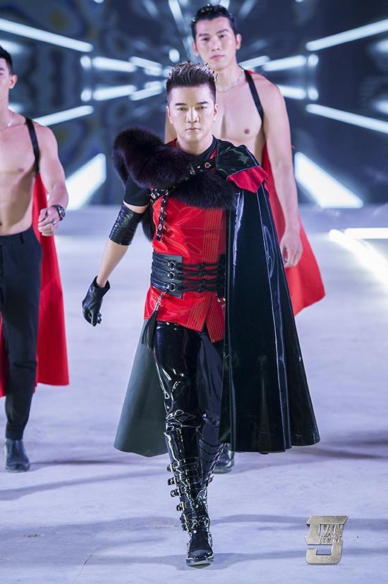"""Dam Vinh Hung mac """"style Fuho"""" hat trong tiec ba Phuong Hang-Hinh-10"""