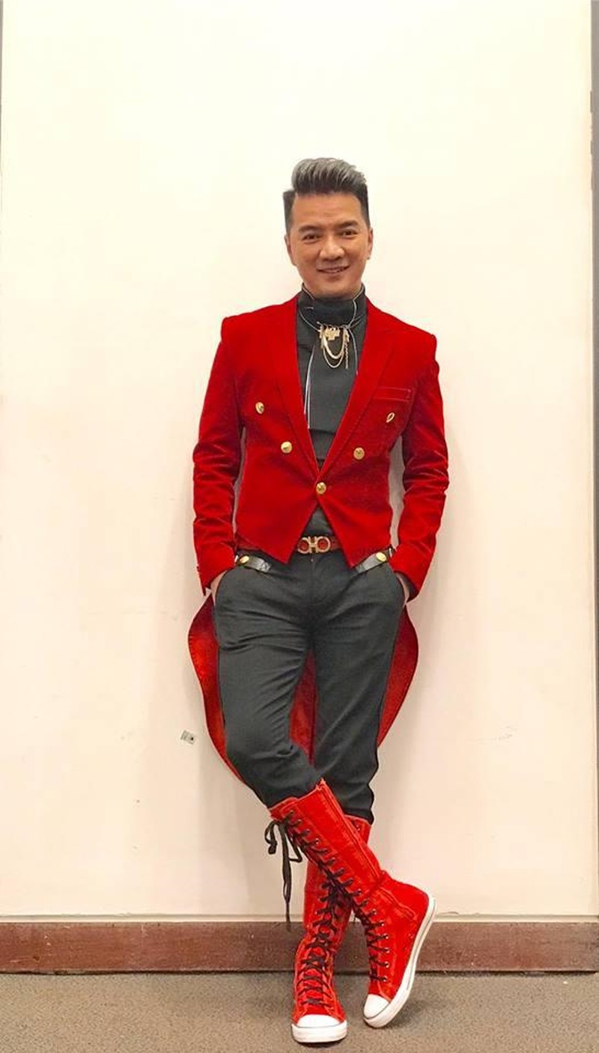 """Dam Vinh Hung mac """"style Fuho"""" hat trong tiec ba Phuong Hang-Hinh-11"""