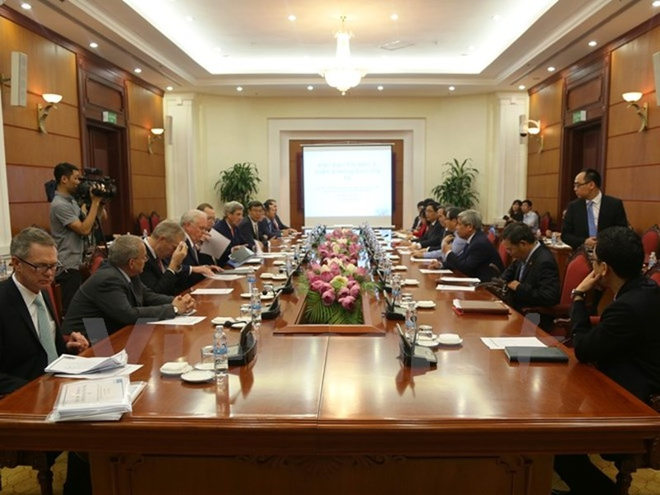 Truong ban Kinh te TW Nguyen Van Binh tiep ong John Kerry