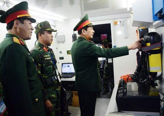 Kiem tra cac don vi quan doi tham gia bao ve thuong dinh My-Trieu-Hinh-3