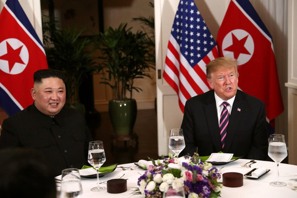 Ong Donald Trump viet gi tren Twitter sau bua toi voi Kim Jong-un?