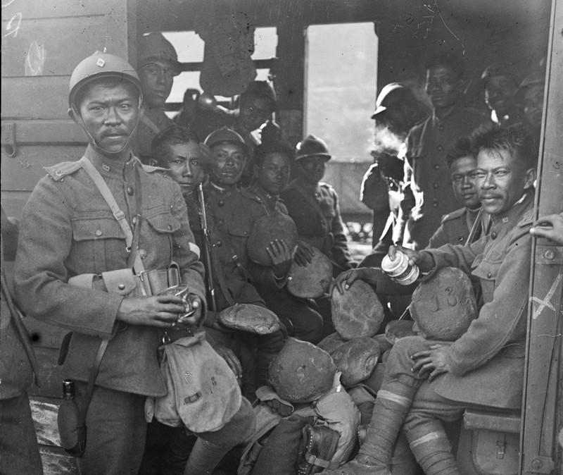 Vi sao nguoi Viet xuat hien o chien truong chau Au 1917?-Hinh-4
