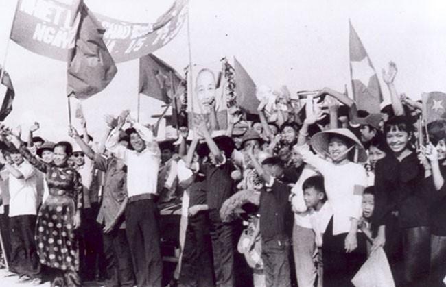 Cuoc Tong khoi nghia Ha Noi ruc lua trong Cach mang Thang 8-Hinh-8
