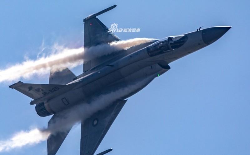 Trung Quoc nang cap JF-17 len phien ban 3, co dang la moi lo cho Nhat – Han?-Hinh-6