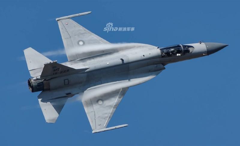 Trung Quoc nang cap JF-17 len phien ban 3, co dang la moi lo cho Nhat – Han?-Hinh-8