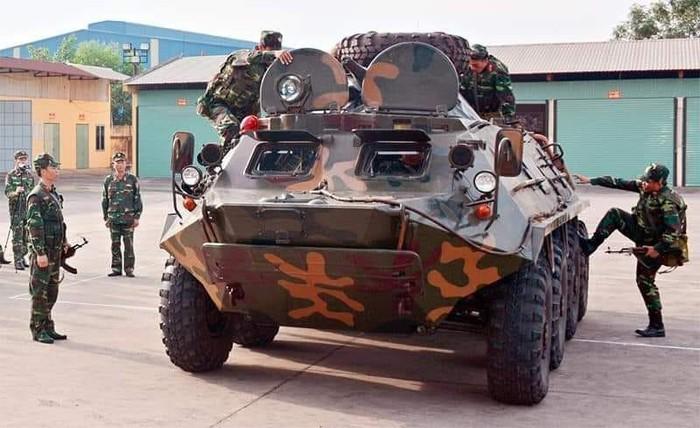 Xe boc thep BTR-60 Viet Nam boi cuc dinh, phoi hop hiep dong tot voi tau do bo-Hinh-7