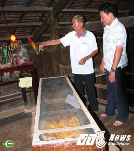Xac chet 50 nam van nhu dang ngu trong nha o mien Tay-Hinh-3