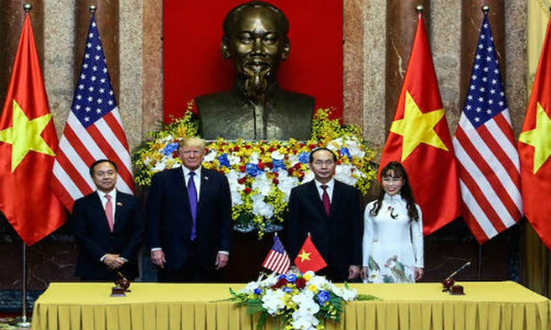 Tong thong Trump chung kien Vietjet va Pratt & Whitney ky thoa thuan tri gia 600 trieu do la-Hinh-2