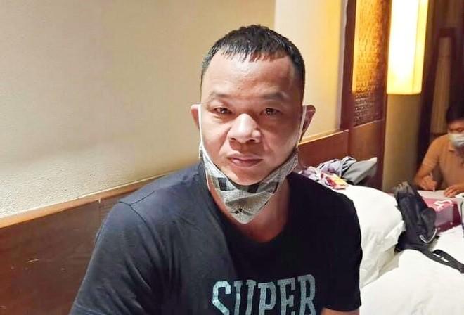 Dua nguoi Trung Quoc nhap canh trai phep: Bat ke cam dau